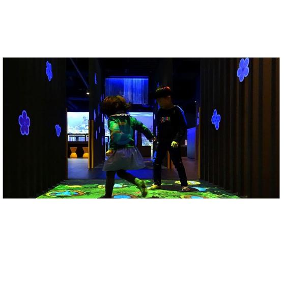地面互动投影 亲子乐园益智游戏 虚拟现实设备