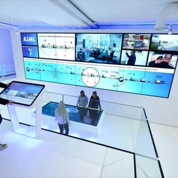拖动飞屏互动软件-展览馆无线飞屏互动